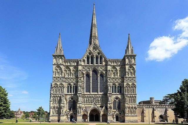 Солсберійський собор, одна з найстаріших релігійних пам'яток Великобританії (4)