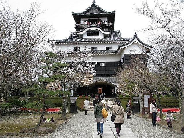 Замок білого мармуру або замок Інуяма (2)