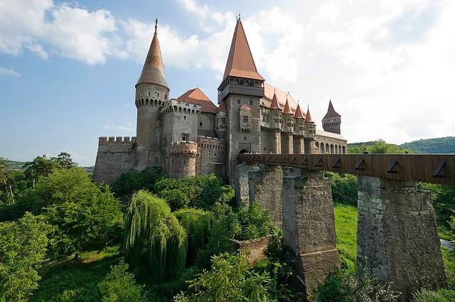 Замок Корвінів, Румунія (1)