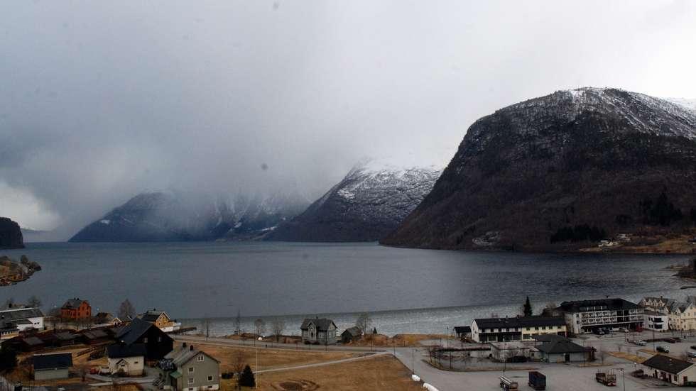 Одне з найкрасивіших озер світу, озеро Хорніндальсватнет (12)