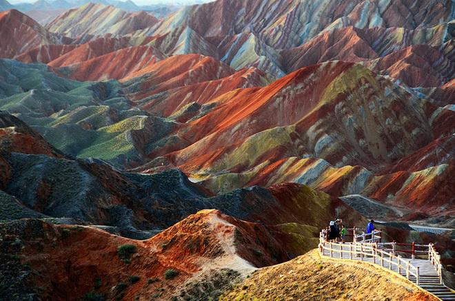 Ландшафт Денксія, кольорові гори в Китаї (5)