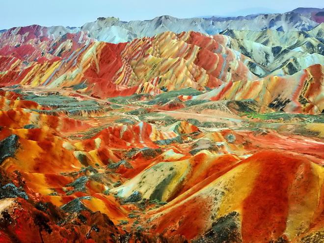 Ландшафт Денксія, кольорові гори в Китаї (4)