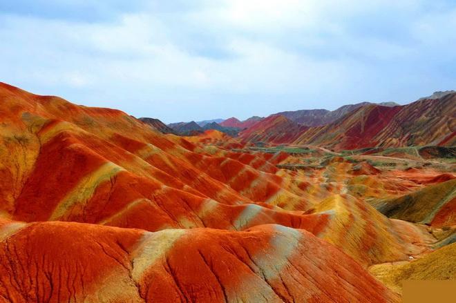 Ландшафт Денксія, кольорові гори в Китаї (2)