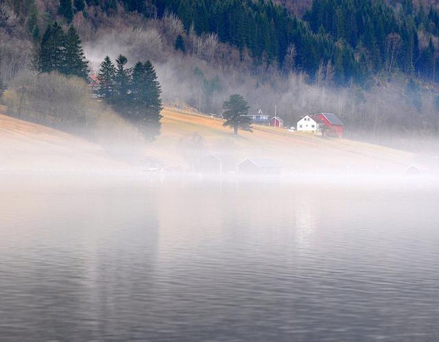 Одне з найкрасивіших озер світу, озеро Хорніндальсватнет (10)