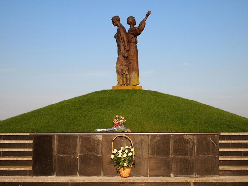 Меморіальний комплекс пам'яті Жертв Голодомору в місті Харкові