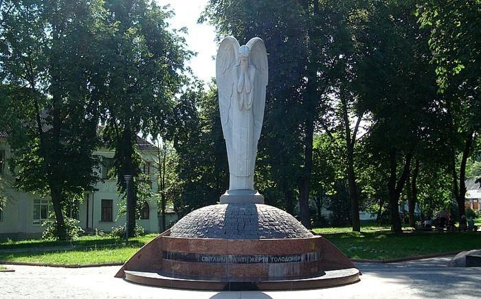 Пам'ятник жертвам Голодомору «Янгол, що плаче», Житомир