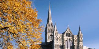 Солсберійський собор, одна з найстаріших релігійних пам'яток Великобританії (1)