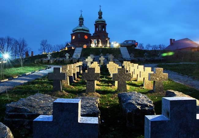 Меморіальний комплексу жертвам Голодомору в селі Хоружівці Недригайлівського району Сумської області