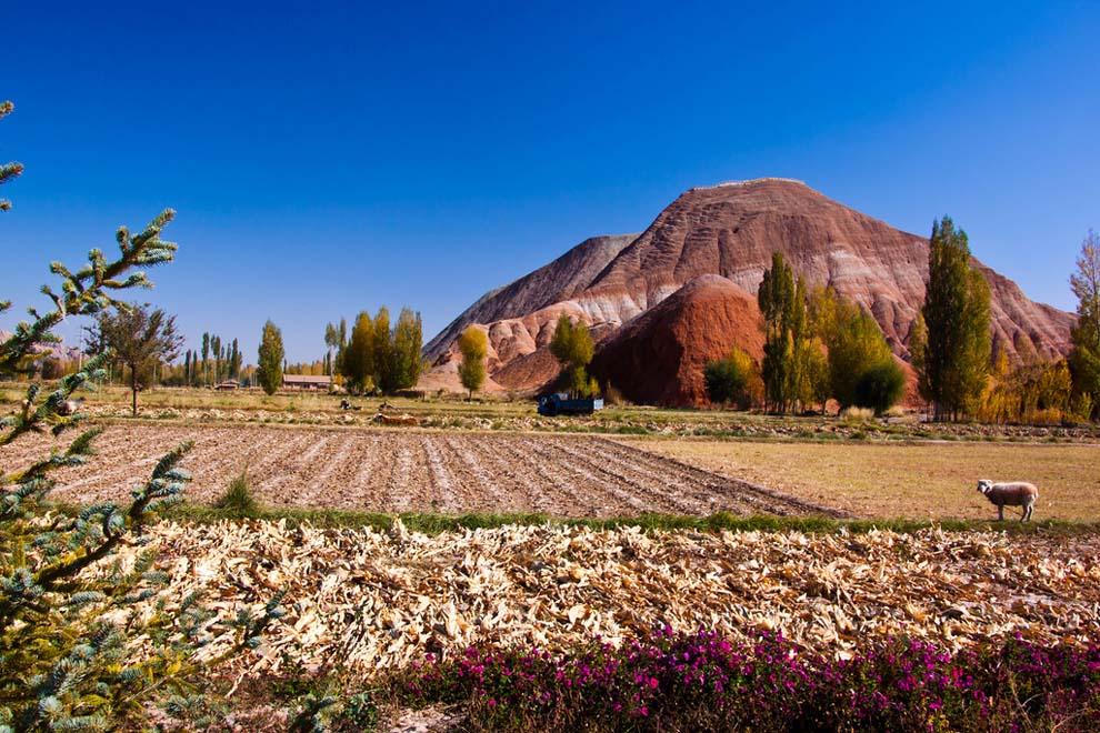 Ландшафт Денксія, кольорові гори в Китаї (8)