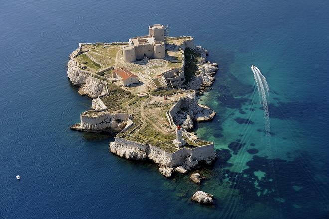 Замок Іф, один з найвідоміших замків світу, Франція (9)