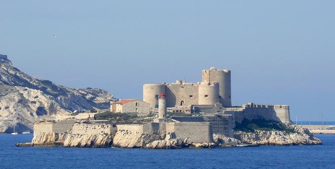 Замок Іф, один з найвідоміших замків світу, Франція (4)
