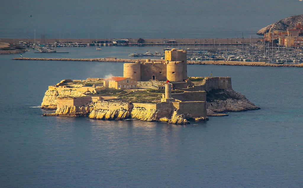 Замок Іф, один з найвідоміших замків світу, Франція (2)