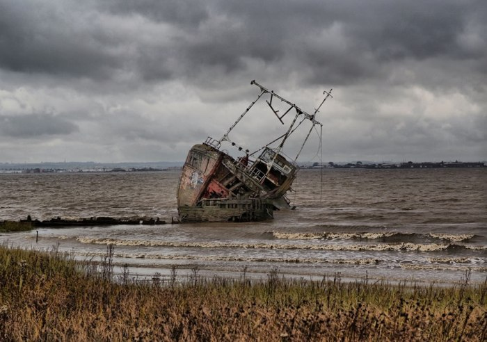корабельні аварії, покинуті човни (25)