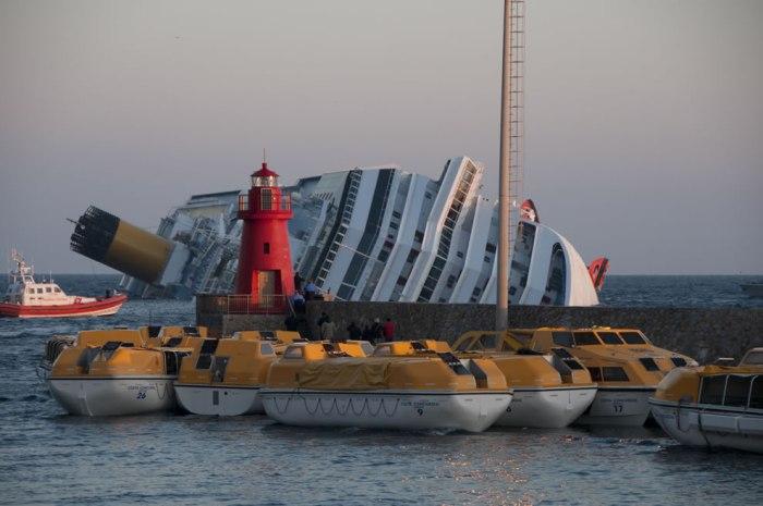 корабельні аварії, покинуті човни (33)