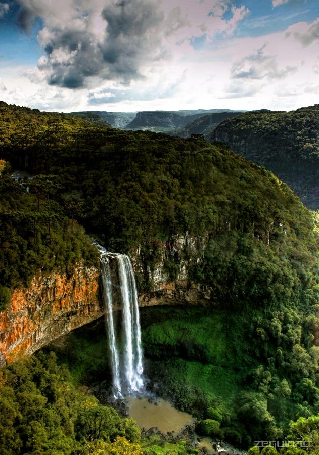 Водоспад Каракол, мальовничий водоспад в лісах Бразилії (1)