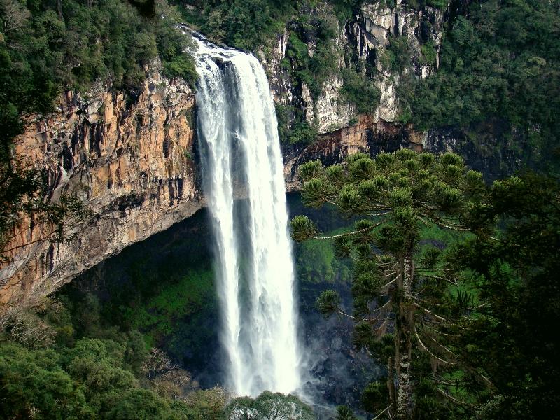 Водоспад Каракол, мальовничий водоспад в лісах Бразилії (2)