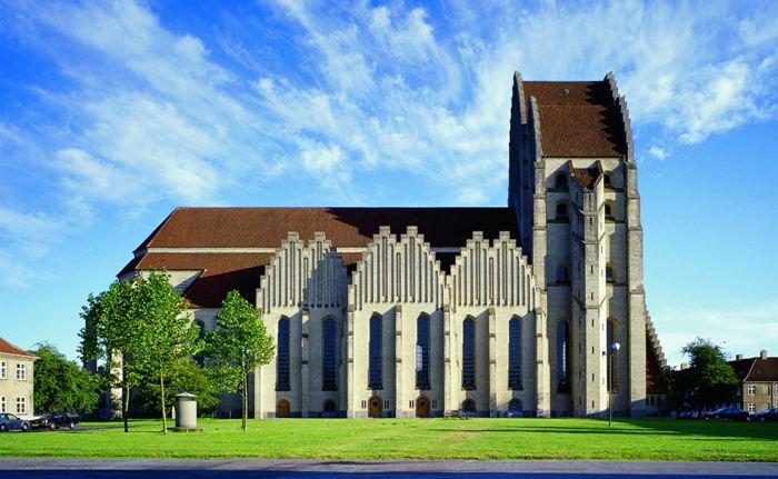 Церква Грундтвіга і її оригінальна архітектура, Данія (2)