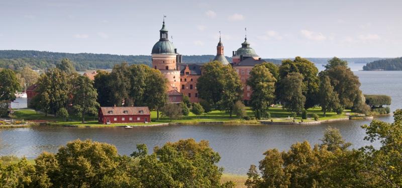 Старовинний замок Гріпсгольм, що на березі мальовничого озера Малар, Швеція (фото) (2)