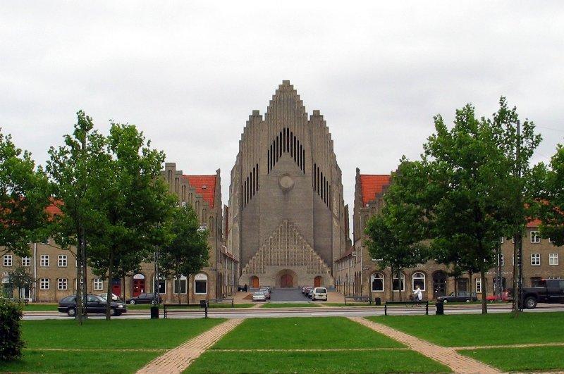 Церква Грундтвіга і її оригінальна архітектура, Данія (1)