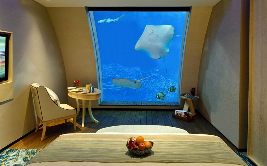 Hotel-rooms-with-unusual-views-2