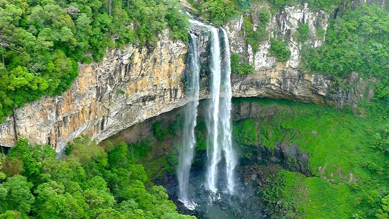 Водоспад Каракол, мальовничий водоспад в лісах Бразилії (4)