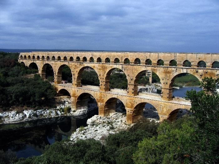 Акведук Пон-дю-Гар, найвищий давньоримський акведук, Франція (8)