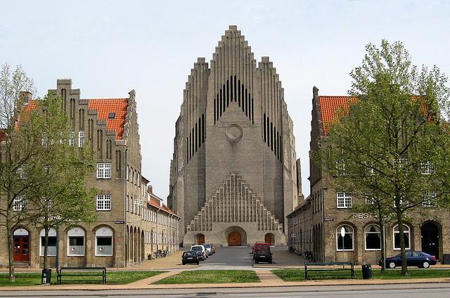 Церква Грундтвіга і її оригінальна архітектура, Данія (3)