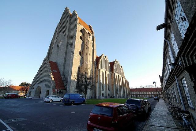 Церква Грундтвіга і її оригінальна архітектура, Данія (5)
