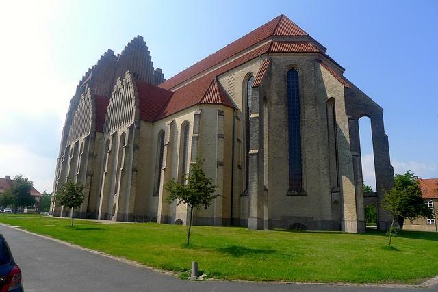 Церква Грундтвіга і її оригінальна архітектура, Данія (6)