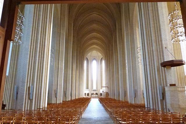 Церква Грундтвіга і її оригінальна архітектура, Данія (11)