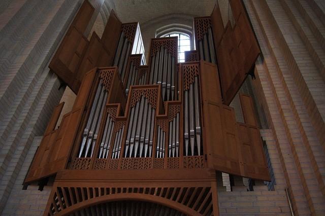 Церква Грундтвіга і її оригінальна архітектура, Данія (14)