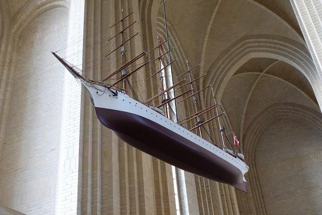 Церква Грундтвіга і її оригінальна архітектура, Данія (15)