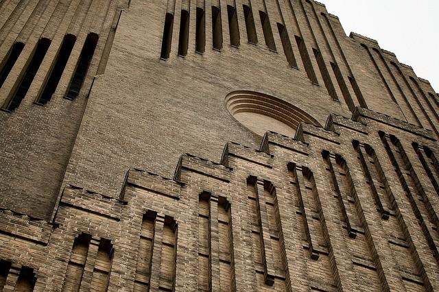 Церква Грундтвіга і її оригінальна архітектура, Данія (17)