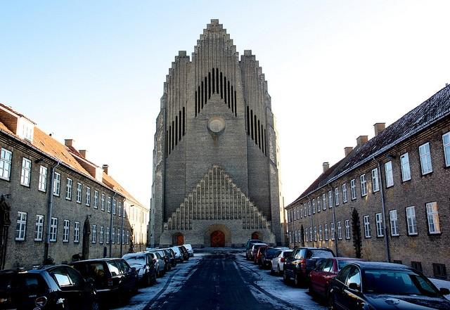 Церква Грундтвіга і її оригінальна архітектура, Данія (18)