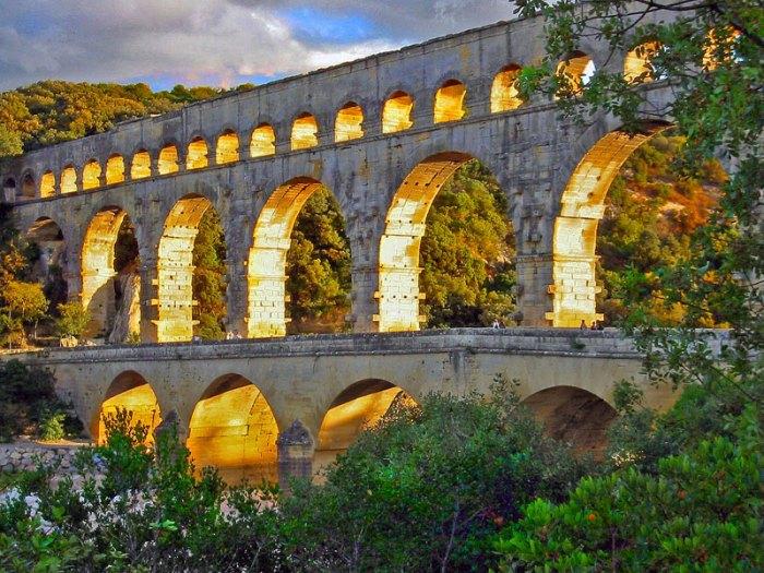 Акведук Пон-дю-Гар, найвищий давньоримський акведук, Франція (2)