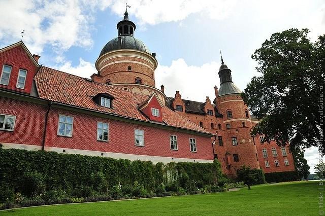Старовинний замок Гріпсгольм, що на березі мальовничого озера Малар, Швеція (фото) (7)
