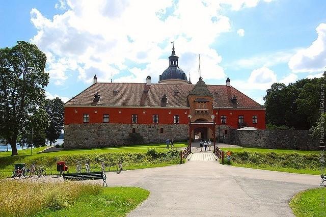 Старовинний замок Гріпсгольм, що на березі мальовничого озера Малар, Швеція (фото) (9)