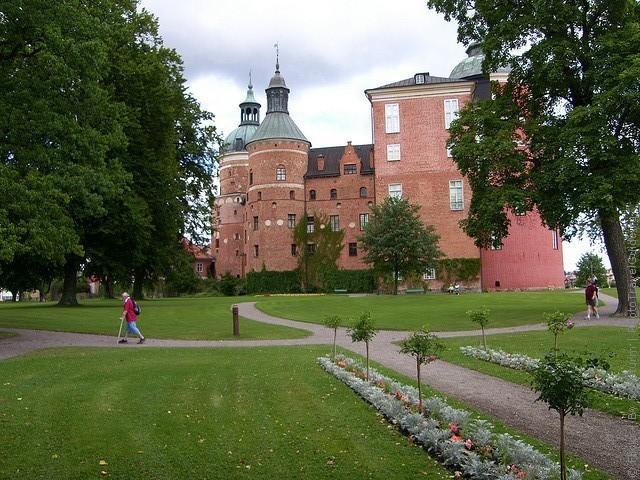 Старовинний замок Гріпсгольм, що на березі мальовничого озера Малар, Швеція (фото) (14)