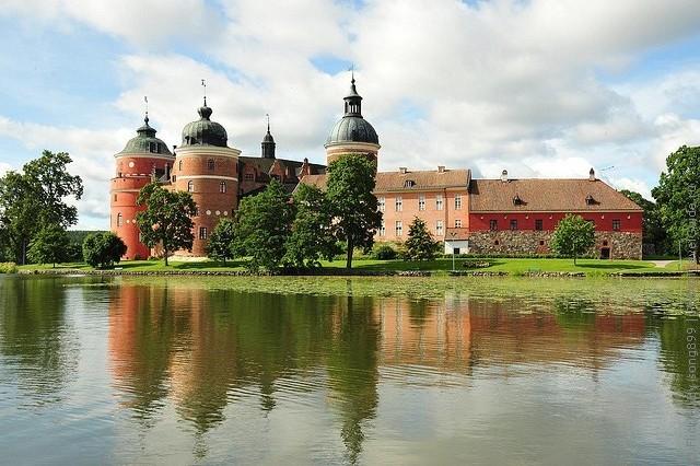 Старовинний замок Гріпсгольм, що на березі мальовничого озера Малар, Швеція (фото) (16)