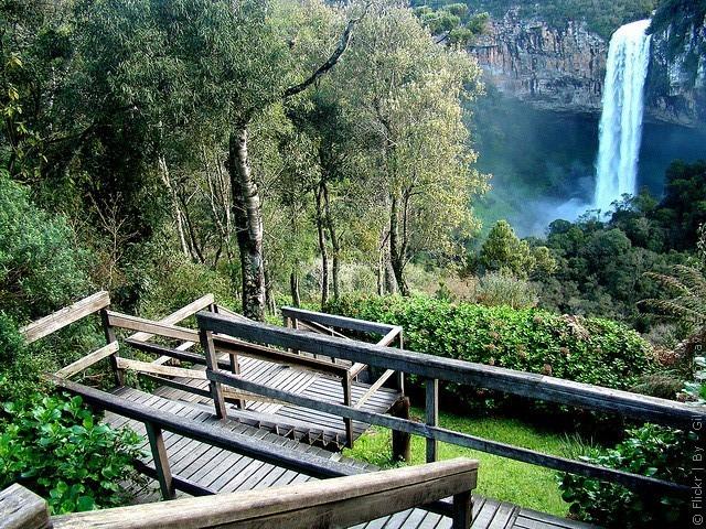 Водоспад Каракол, мальовничий водоспад в лісах Бразилії (8)