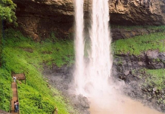 Водоспад Каракол, мальовничий водоспад в лісах Бразилії (9)