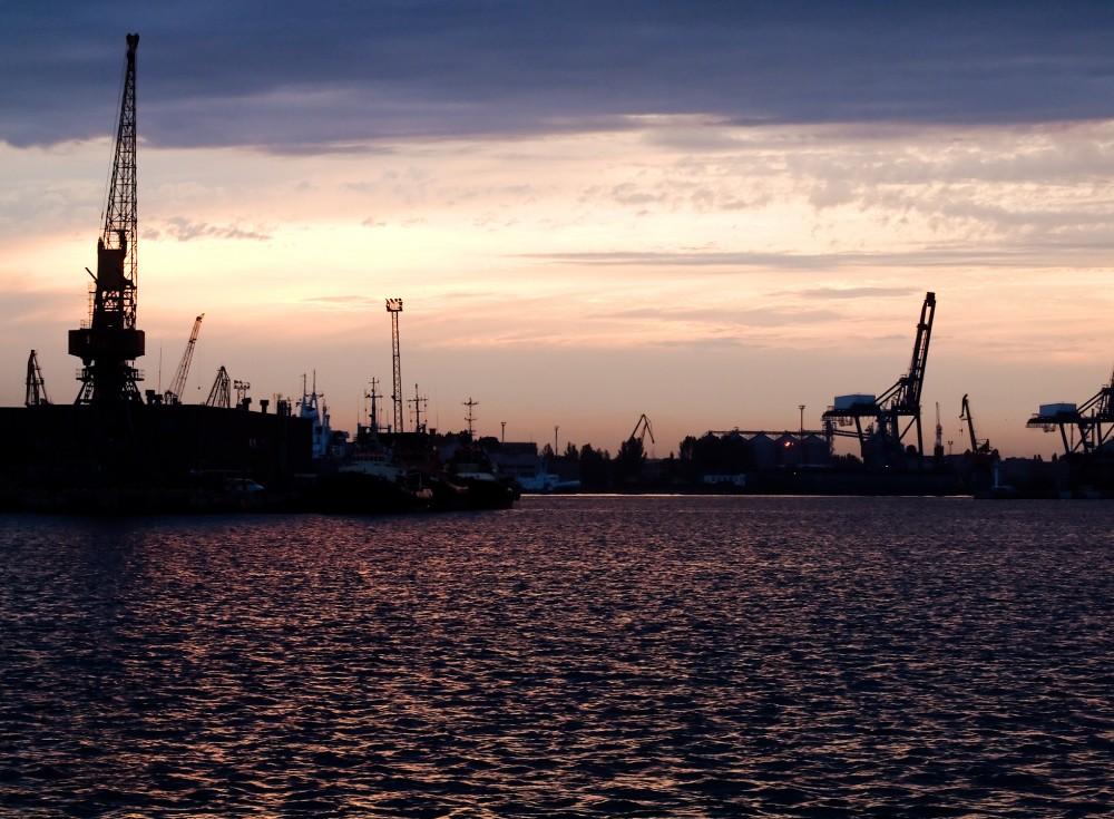 Coucher de soleil sur le port d'Odessa
