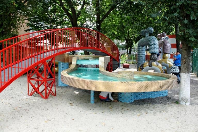 фонтан гривня