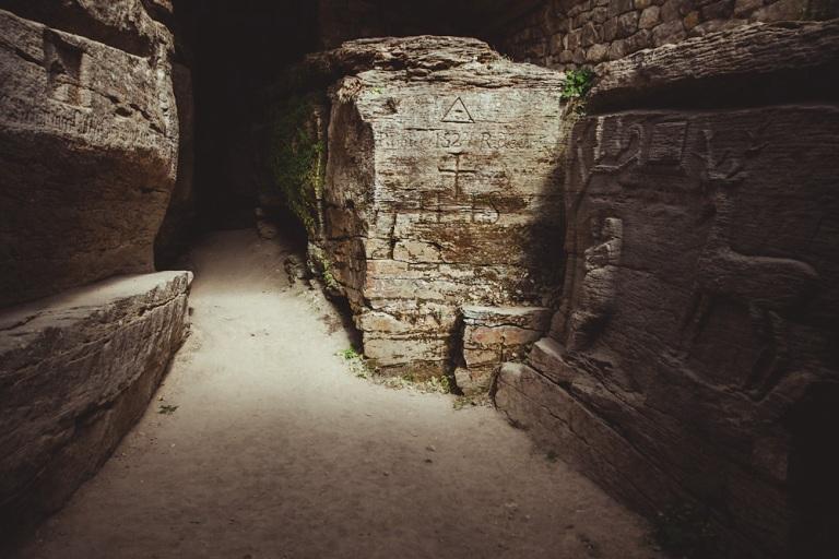 У скельному храмі. Фото М. Голубчикова