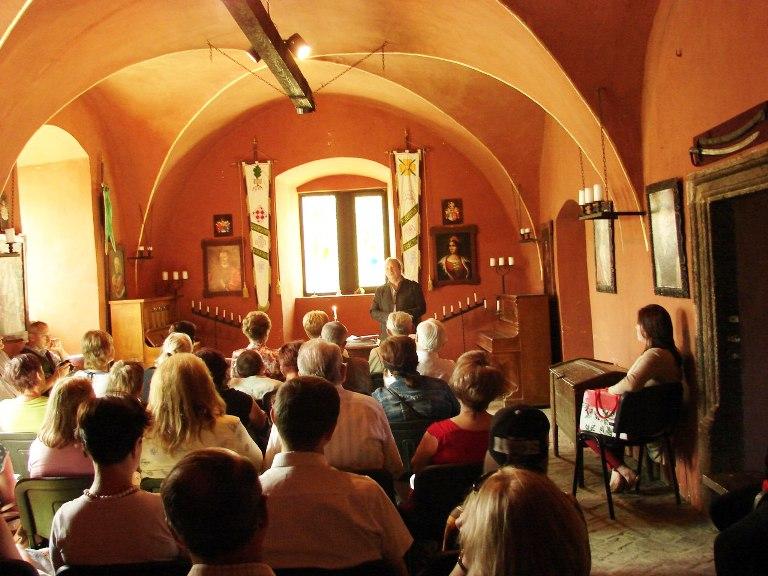 Йосип Бартош сам проводить екскурсії