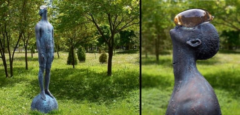 """скульптура називається """"Дощ"""""""