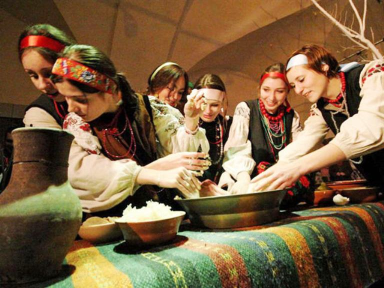 Ворожіння у Василів вечір. Фото: PHL