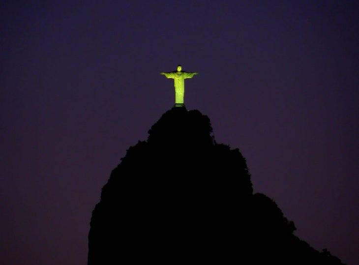 13119 Відомі світові пам'ятки вночі