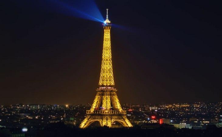 2298 Відомі світові пам'ятки вночі
