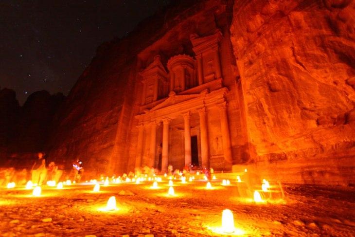 2357 Відомі світові пам'ятки вночі